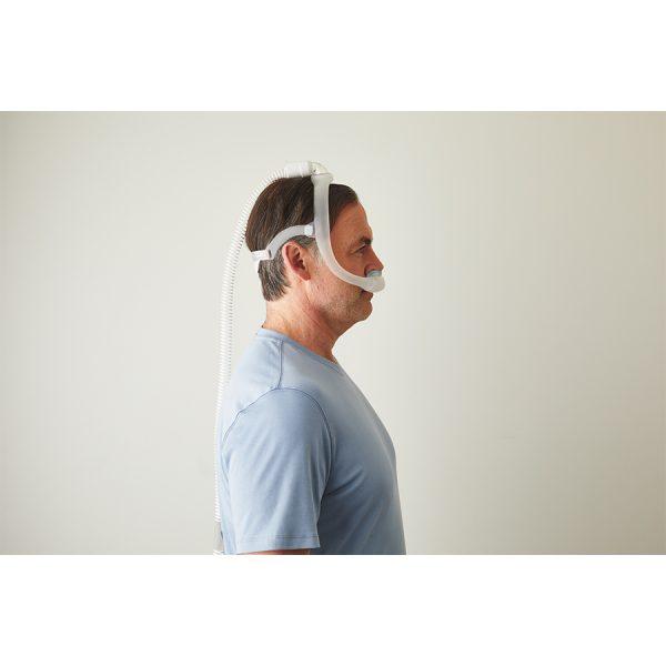 vue de côté - Masque Dreamwear narinaire Philips Respironics - Pro-médic clinique du sommeil